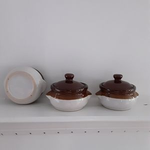 Vintage Kitchen - French Onion Soup Bowls with Lids (three bowls)